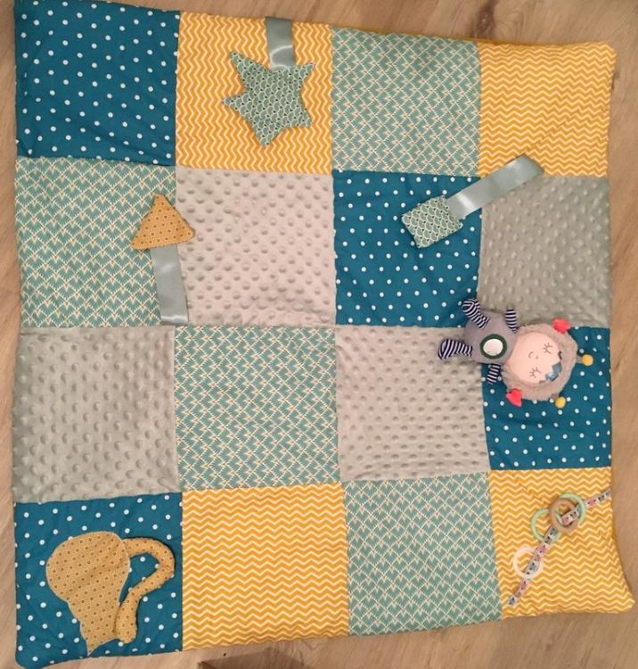 Comment bien coudre un tapis pour son enfant ?